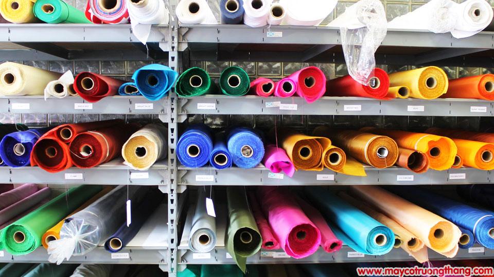 Cách chọn loại vải may cờ phù hợp